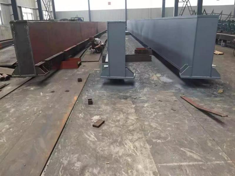 温州32中学连廊箱型梁